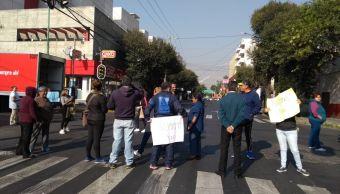 Por falta de agua, vecinos bloquean Lorenzo Boturini