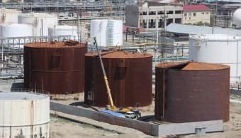 Precios del crudo, estables ante el aumento de producción estadounidense