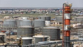 Los precios del crudo inician la semana al alza