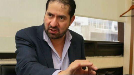 Ricardo Becerra acusó a la ALDF; renuncia a la reconstrucción