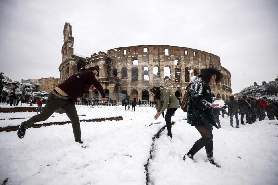 Resultado de imagen para roma cubierta de nieve