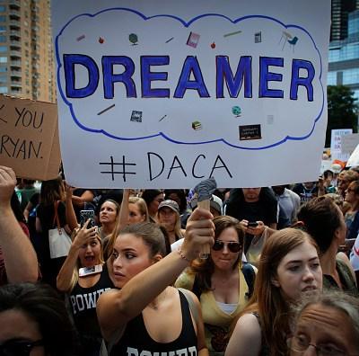 Aprueban proyecto de ley para proteger a 'dreamers' en Estados Unidos