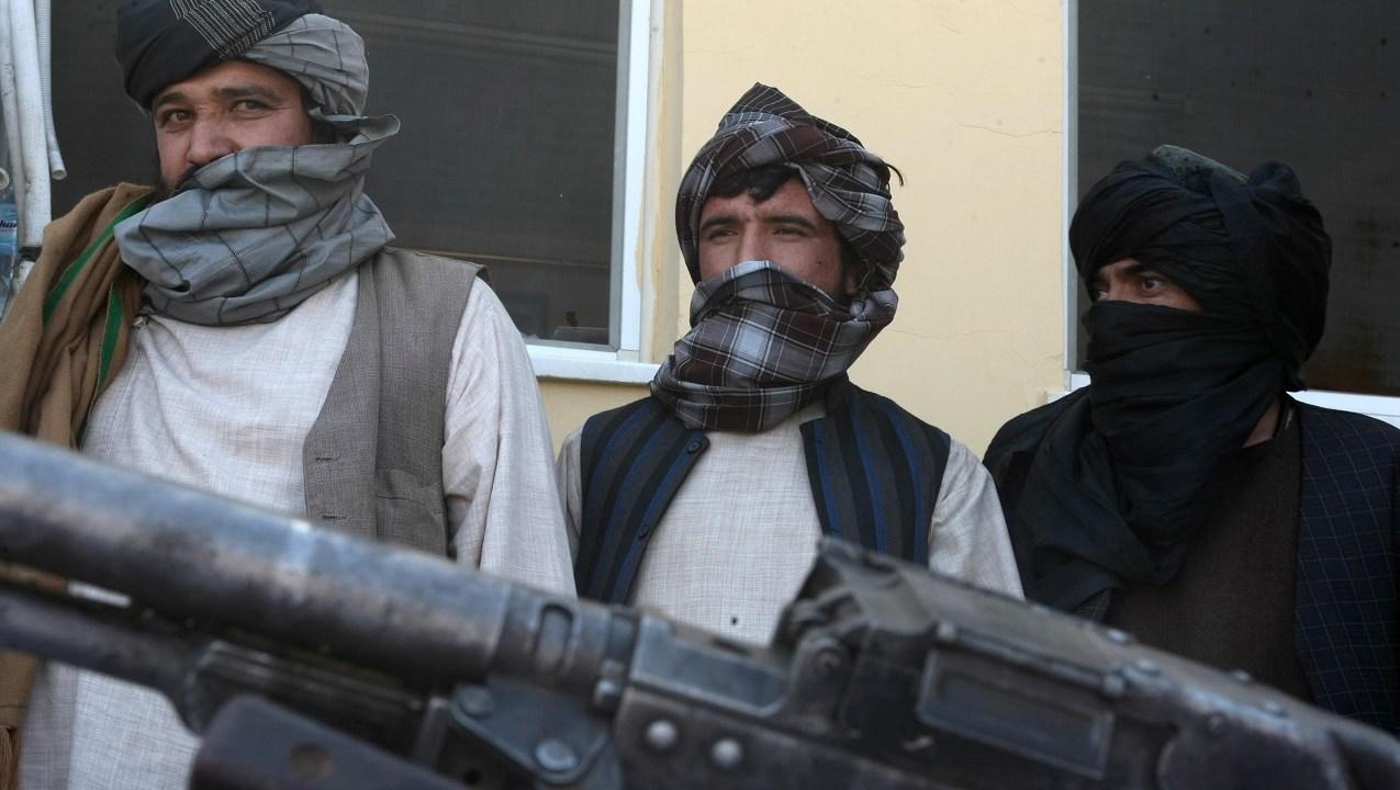 Presidente de Afganistán está dispuesto a reconocer a talibanes como grupo político