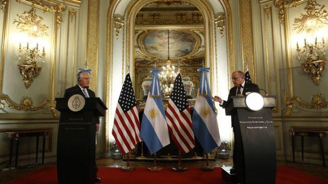 Tillerson: No se puede estar de brazos cruzados por situación en Venezuela