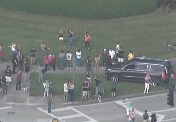 Autoridades investigan un posible tiroteo en escuela secundaria de Florida