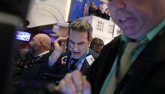 Wall Street, a la baja por acciones tecnológicas y financieras