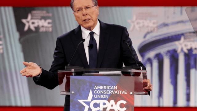 Asociación del Rifle culpa a demócratas y FBI del tiroteo