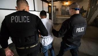Arrestan a tres migrantes mexicanos durante operativos del ICE en California