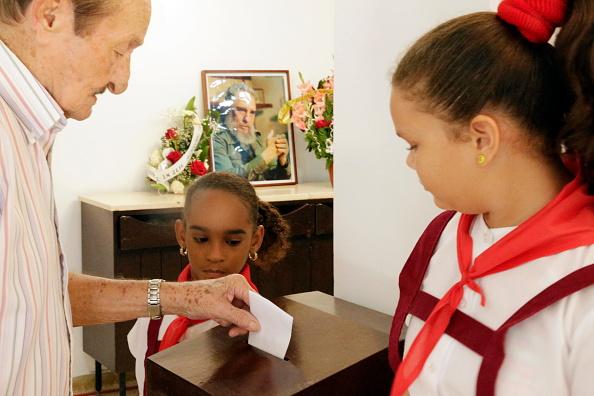 Cuba celebra elecciones legislativas mientras se aproxima el adiós de Raúl Castro