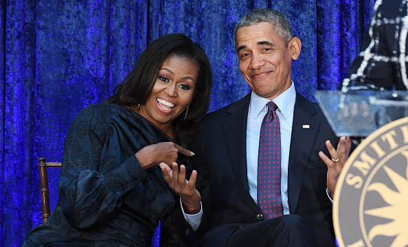 Barack y Michelle Obama negocian producir programas para Netflix, según NYT