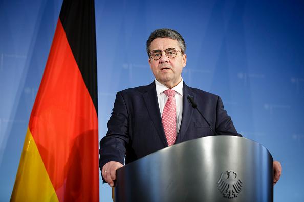 Los socialdemocratas y Merkel firman acuerdo para nuevo gobierno de coalición