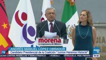 Andrés Manuel López Obrador se registra ante el INE