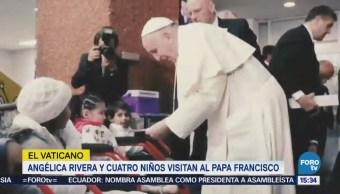 Angélica Rivera y cuatro niños visitan al papa