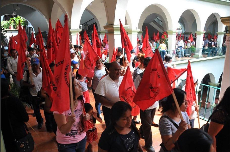 antorchistas toman el palacio municipal de xalapa veracruz