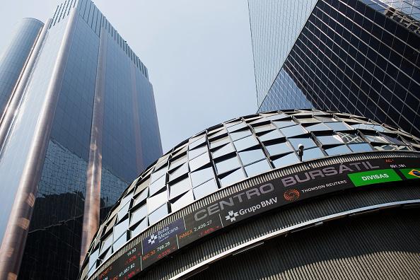 Bolsa Mexicana termina sesión con baja, en línea con Wall Street