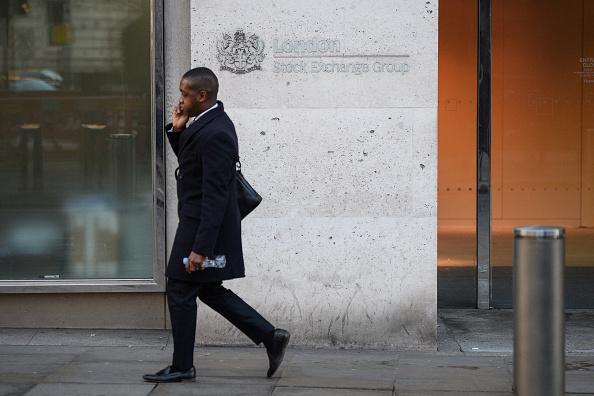 Las Bolsas europeas abren con ligeras alzas