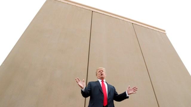 Casa Blanca evita desestimar fondos militares muro Trump