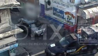 Detienen a dos hombres por robo en Iztapalapa