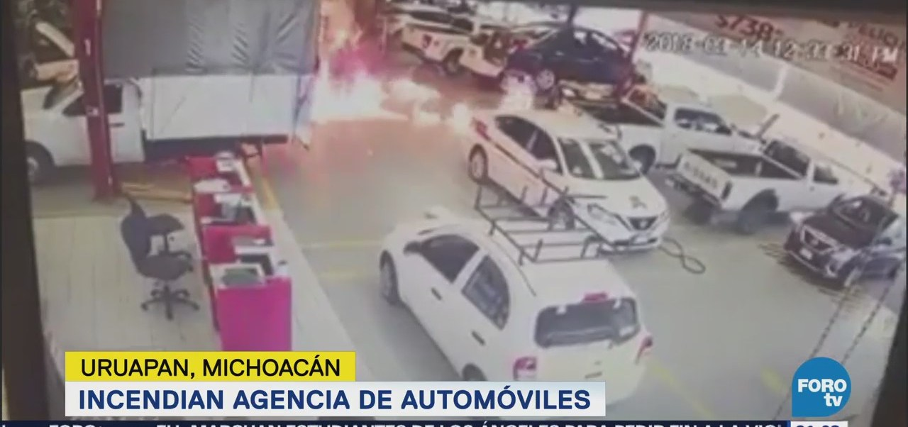 Continúan bloqueos en municipios de Michoacán