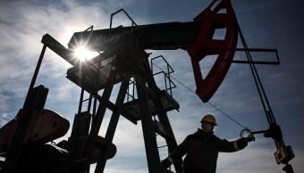 El crudo se estabiliza pese al aumento de producción estadounidense