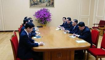 Kim Jong-un mantiene histórica conversación con funcionarios de Corea del Sur