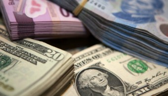 El dólar abre en 19.01 pesos