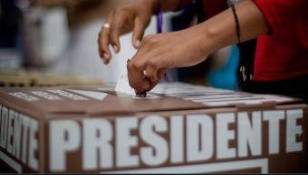 Urna electoral durante votación en México