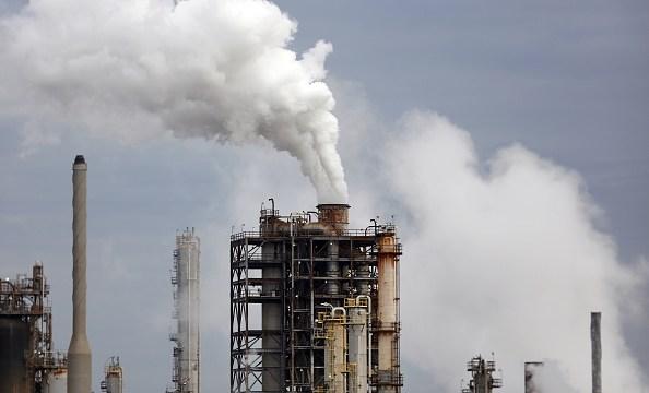 Caen las existencias de petróleo en Estados Unidos