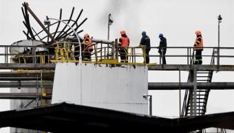 Explosión en planta química de Praga deja 6 muertos