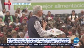 Gobernador del Estado de México entrega canastas alimentarias