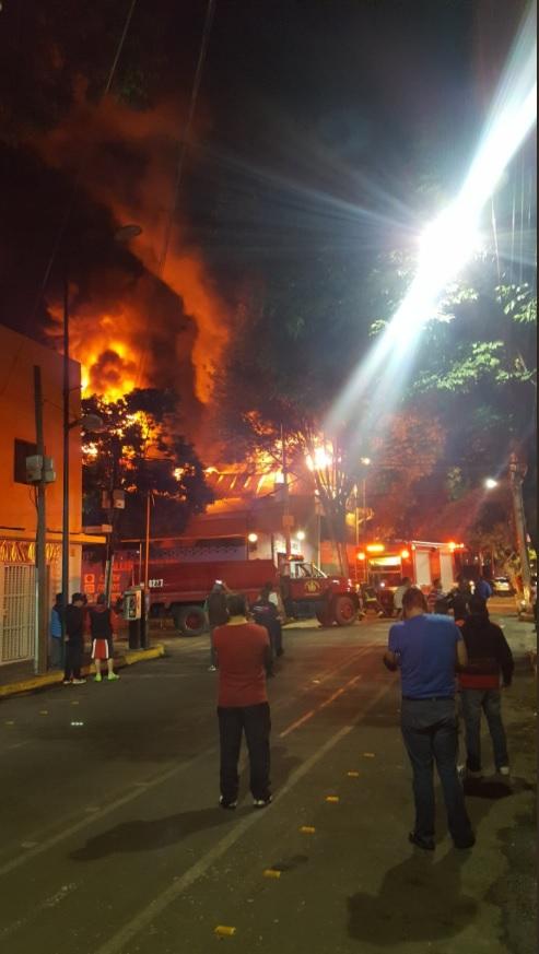 incendio consume bodega textil en la anahuac cdmx