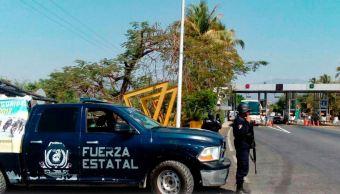 Comando armado ingresa a escuela de Acapulco