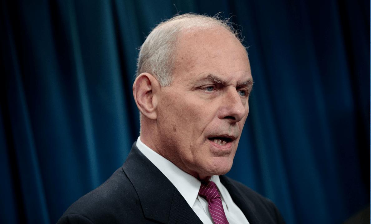 Jefe de gabinete de Trump, John Kelly, niega vaya a renunciar