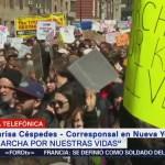 """Jóvenes en """"Marcha por Nuestras Vidas"""" dicen basta uso de armas"""