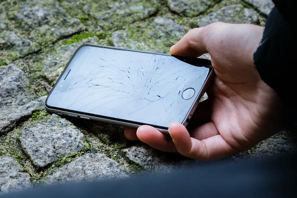 mujer resiste asalto y le quitan celular en popotla