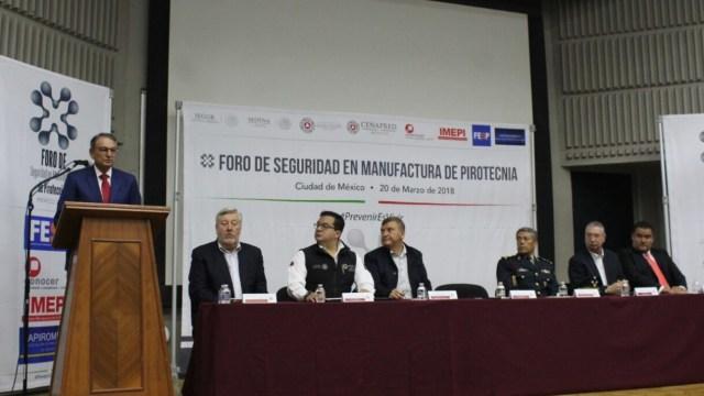 proteccion civil organiza primer foro pirotecnia