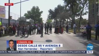Manifestantes bloquean la calle 65, Venustiano Carranza
