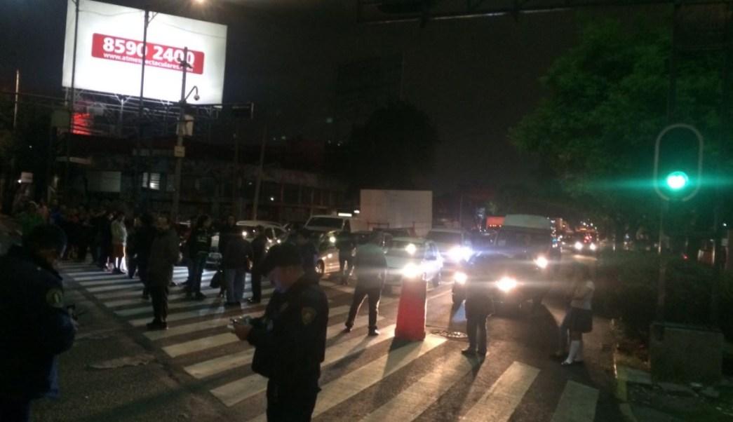 Manifestantes bloquean Circuito Interior y Eje 2 por desabasto de agua potable
