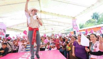operadores politicos manuel velasco llevan mujeres sus actos publicos