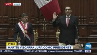 Martín Vizcarra asume la Presidencia de Perú tras renuncia de Kuczynski