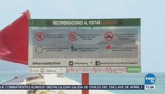 Alertan a turistas sobre mar de fondo en Acapulco