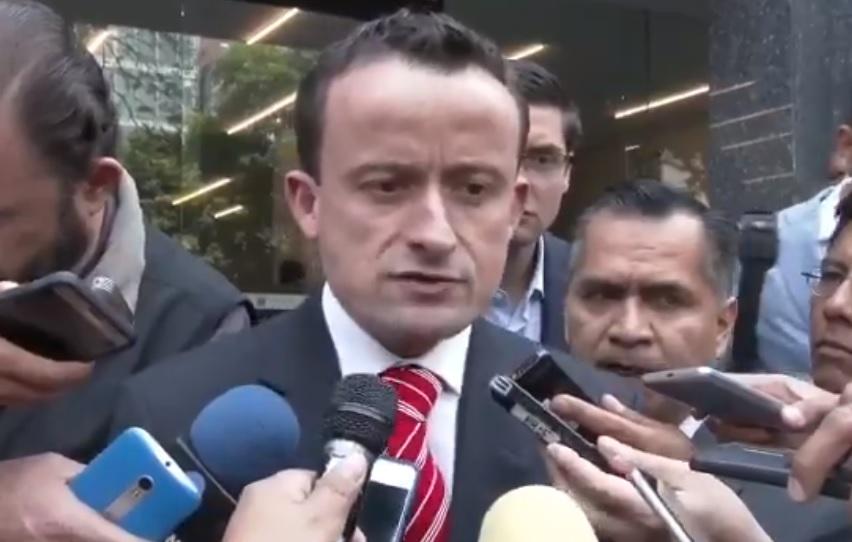 Presenta Mikel Arriola queja contra Sheinbaum por peculado