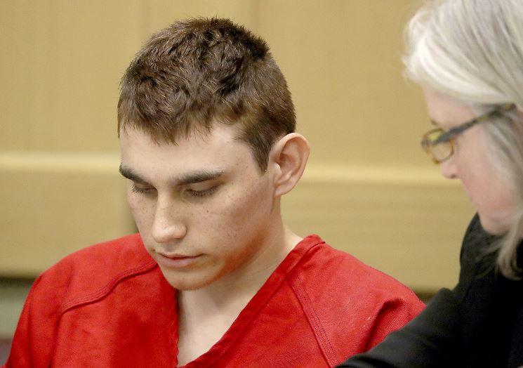 Autor de masacre en Parkland retira su declaración de no culpable