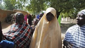 Boko Haram libera a 91 de 101 niñas secuestradas hace un mescuestradas hace un mes