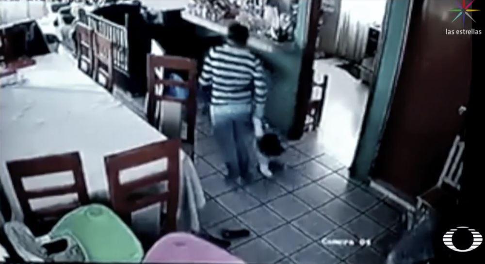 Video muestra agresión a menores por parte de su niñera, en Tlaxcala