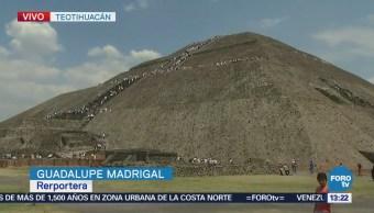 Sigue arribo de visitantes a Teotihuacán para 'cargar energía'