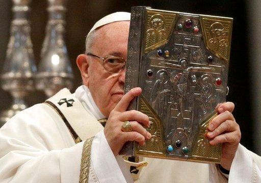 """En misa Crismal, el papa Francisco pide a curas que sean """"cercanos"""""""
