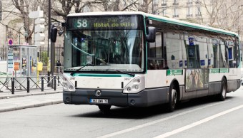 Alcaldesa París estudia gratuidad transporte público