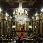 Parlamento catalán rechaza la destitución 'ilegal' de Puigdemont
