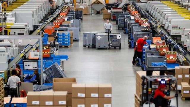 Pedidos a fábricas en Estados Unidos anotan mayor caída
